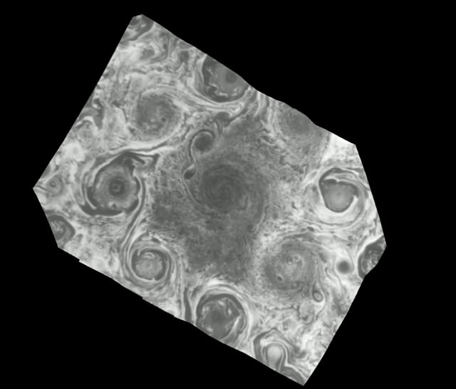 Movie of Jupiter's north pole from Juno JIRAM